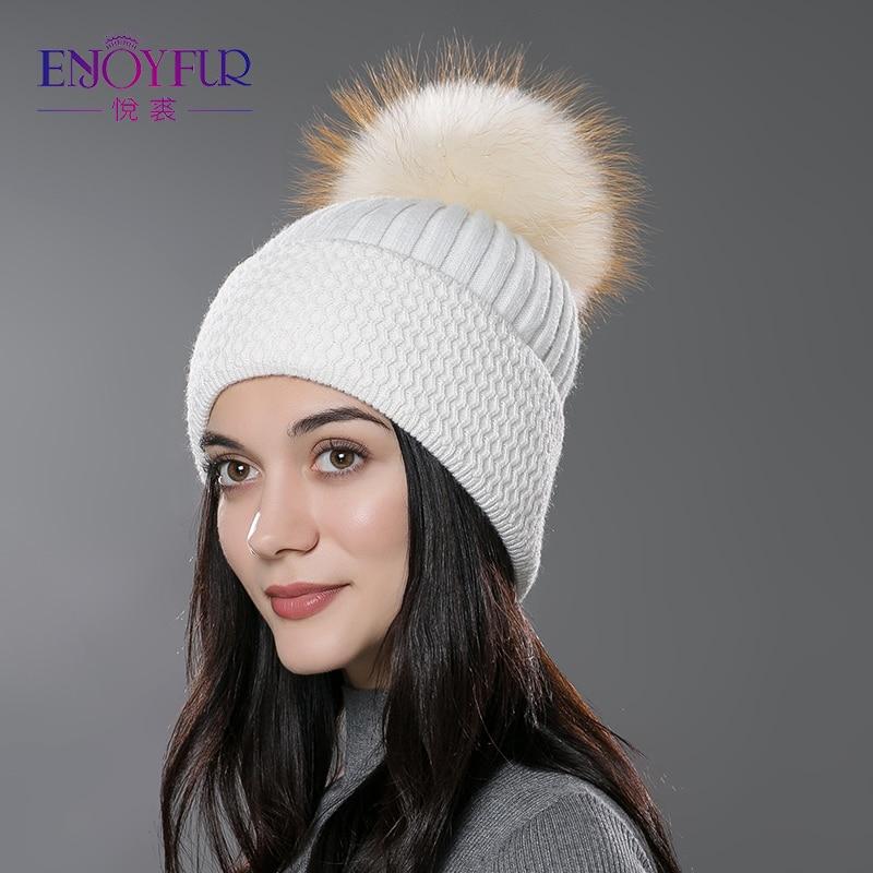 Sombrero de piel de Invierno para mujer de piel de ENJOYFUR pompón sombrero  de piel natural gorros tejidos de lana de algodón 2018 nueva gorra de gorro  de ... 49ea01398b1