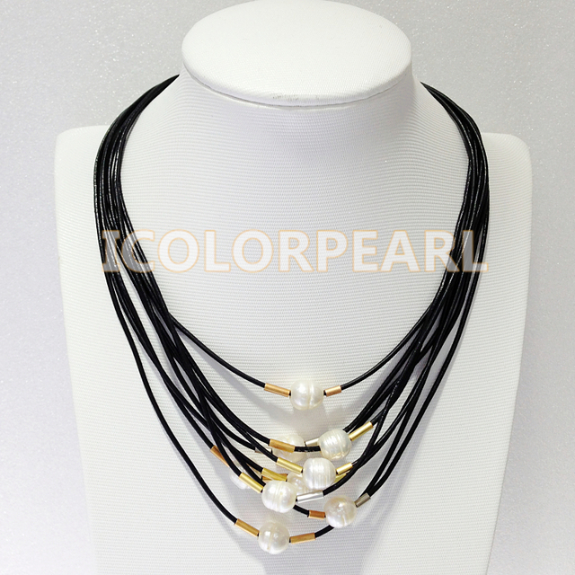 45-48CM Multistrand White Natural Freshwater Pearl And Black Leather Necklace.