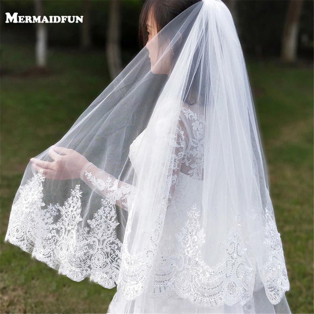 2019 New 1 Layer Bling Sequins Lace Edge Short Wedding Veil With Comb Elegant Tulle Bridal Veil Velos De Novia