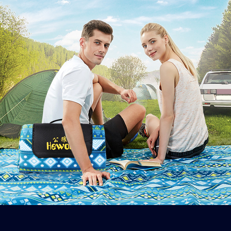 Image 5 - VILEAD 4 colors Portable 200*150cm Picnic Mat Camping Outdoor Blanket Waterproof Beach Mattress Climb Folding Ultralight Pic Nic-in Camping Mat from Sports & Entertainment