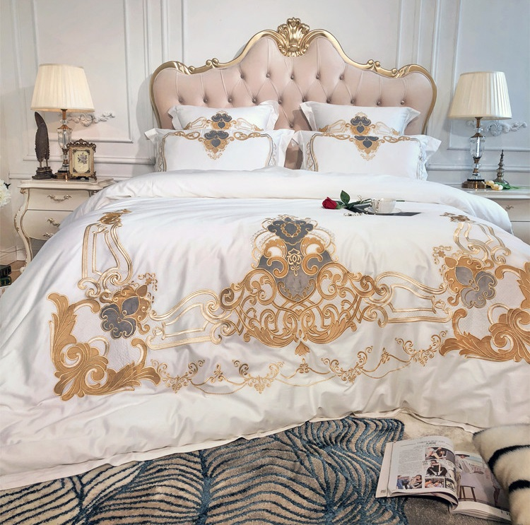 White European Luxury Golden Royal Embroidery Egyptian Cotton Bedding Set Duvet Cover Bed Linen Bed sheet Pillowcases 47pcs