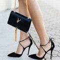 2017 Nuevo Estilo de Verano Lace Up tacones altos Dedo Del Pie Acentuado de las mujeres celebridad Del Vendaje sandalias de tacón de Aguja zapatos de las señoras Bombas Negro 35-40
