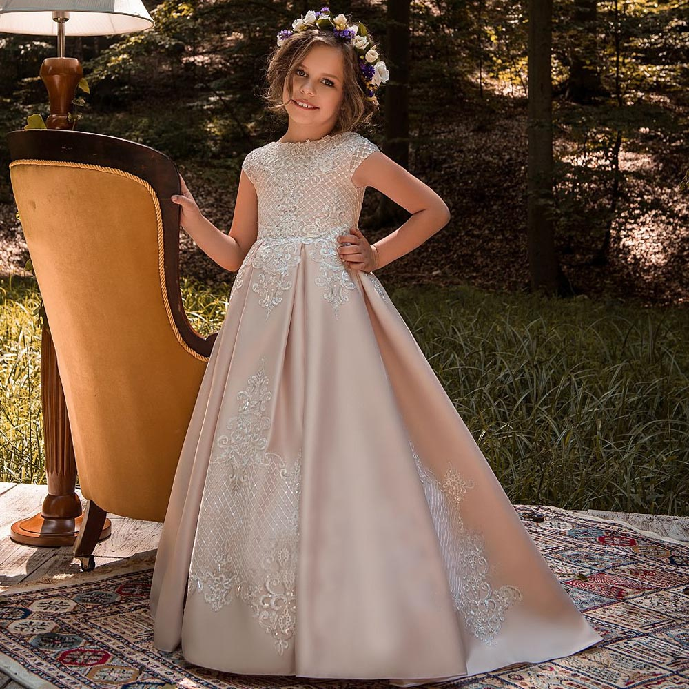 Luxury Ball Gown Flower Girl Dress Lace Appliques Cap Sleeve With Beading Custom Made Girls First Communion Gowns new arrival flower girls dresses high quality lace appliques beading short sleeve ball gowns custom holy first communion gowns