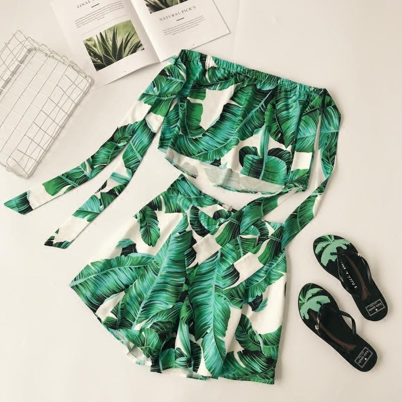 Summer Beach Women Two Piece Set Banana Leaf Crop Top + Shorts Green Casual Suit Set Outfit