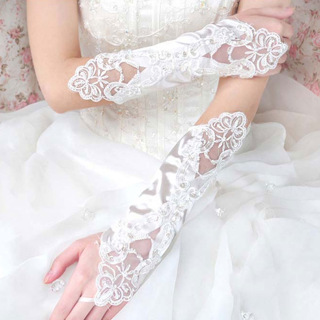 New Elbow Length Gloves Fingerless Lace Satin Wed Gloves Embroidered Lace Gloves Accessories