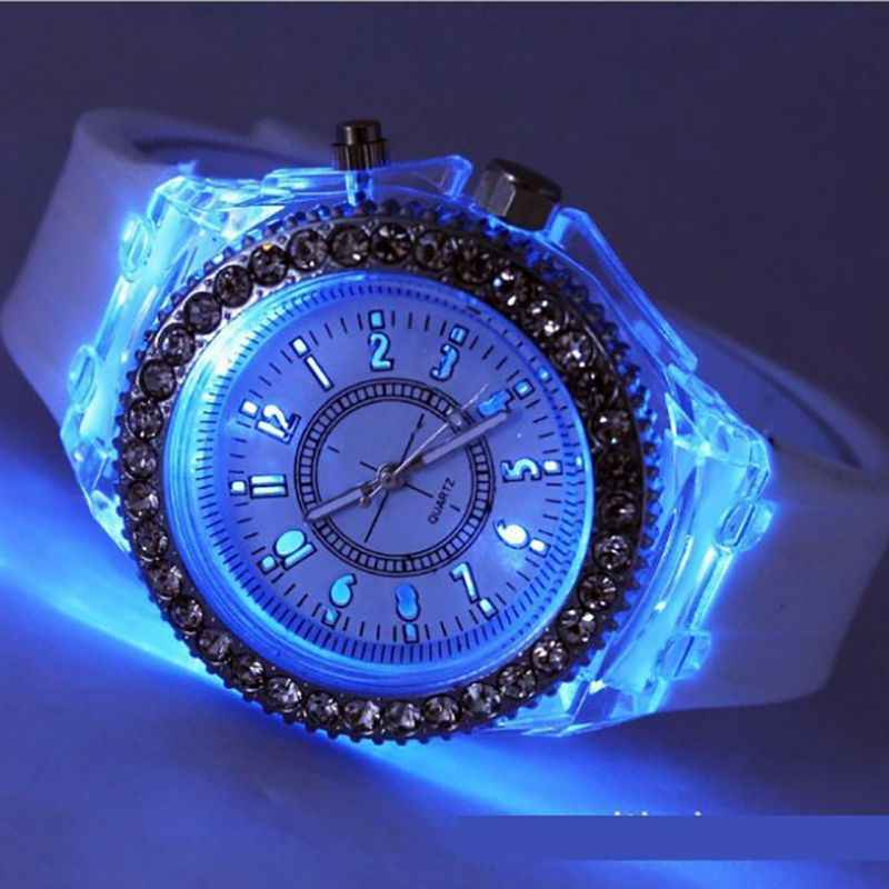 LED Backlight Relogio Masculino Flash Lichtgevende Crystal Quartz Trend Waterdicht Polshorloge 5 Kleur Licht Horloge Horloges