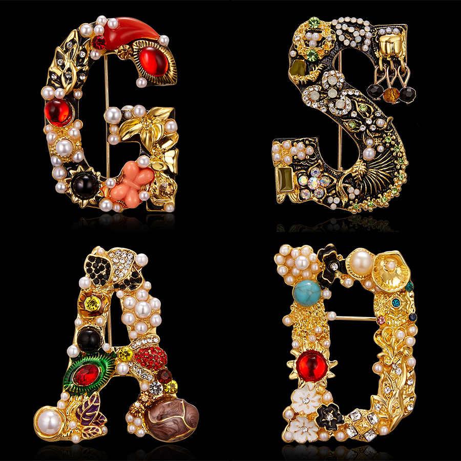 Rinhoo Rhinestone Della Perla di Lusso Lettera Spilla Pittura A Olio Oro Spilla Fiore Spille per Le Donne Delle Ragazze trasporto libero Dei Monili Creativo Accessori