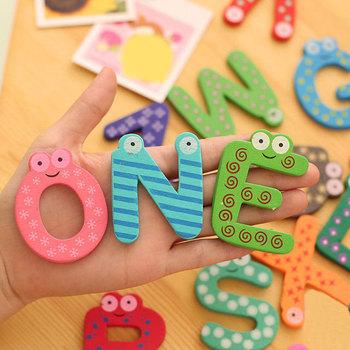 Kolorowe kreskówki drewniane litery numery lodówka magnesy na lodówkę nauczanie alfabetu Kid cyfrowa zabawka matematyczna Home Decor tanie i dobre opinie Drewna Wooden Letters Numbers
