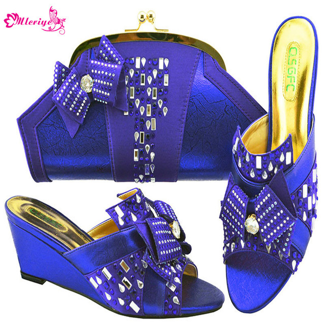 d4cd89d62 Chegada nova Mulheres Italianas Sapatos e Bolsa Combinando Conjunto  Africano Casamento Cunhas Saltos de Sapato Definir com Grande Cristal  sapatas das ...