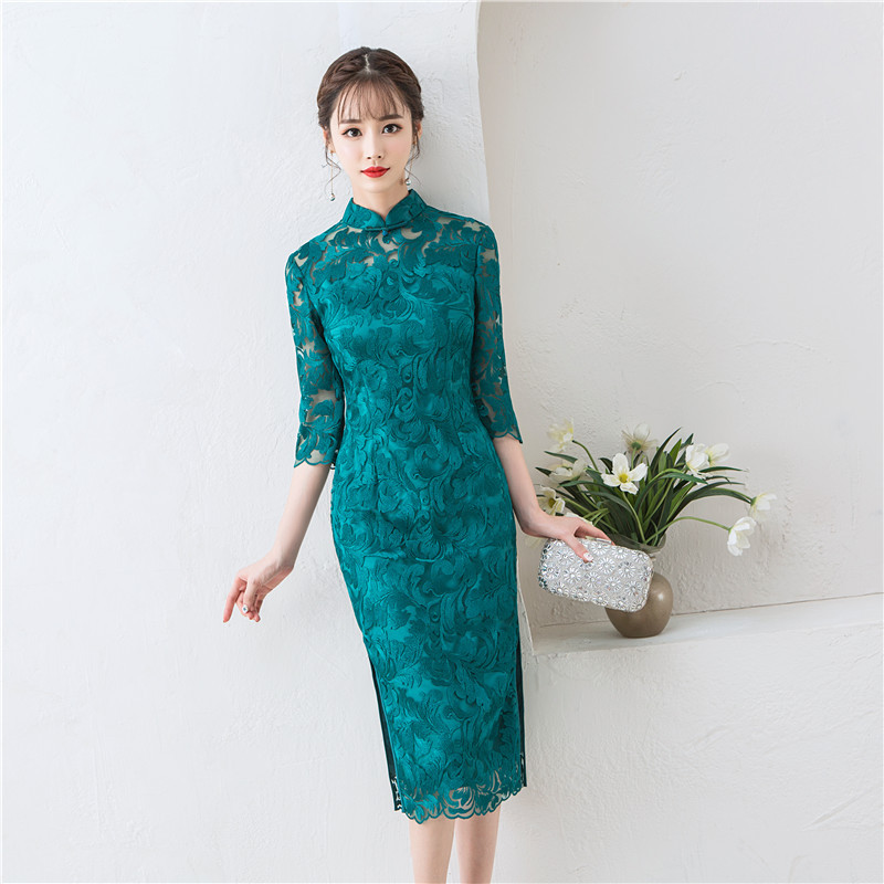 Embroidery Lace Girl Elegant Long Cheongsam Vintage Chinese Style Evening Dress Sexy Long Slim Stage Show Qipao Big Size XXXL in Cheongsams from Novelty Special Use