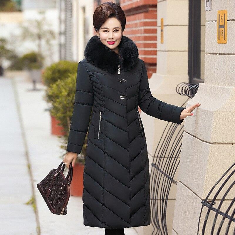 Kadın Giyim'ten Parkalar'de 2019 büyük kürk yaka kış ceket kadın kalın Parka kapşonlu artı boyutu 5XL uzun kış pamuk şişme ceket kadınlar dış giyim anne'da  Grup 3