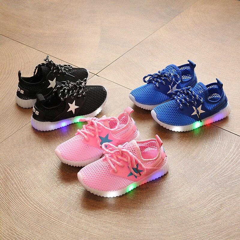 2018 Новий європейський моди високої якості світлодіодний світло дитячі кросівки Прохолодно хлопчики дівчаток прекрасні дитяче взуття гарячих продажів дитяче взуття