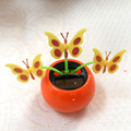 Envío Libre Tres Flores Oscilación Incesantemente A Plena Luz No batería de apple estilo olla de diámetro 5 cm juguete de la novedad solar regalo