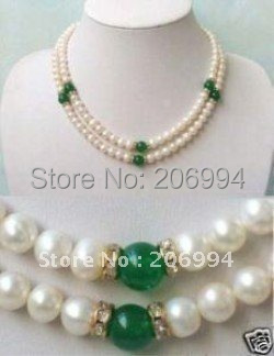 Nuevos llegan el diseño encanto de agua dulce blanco perla verde Jade collar de perlas de