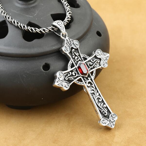 925 Sterling Silver Crucifix Pendant