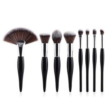 8Pcs  Curvy Makeup Brush Set