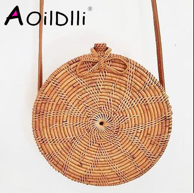 2018 New Bali Trending Ata Round Bag Ethnic Natural Grass Rattan Woven pu Leather Strap Clip Style