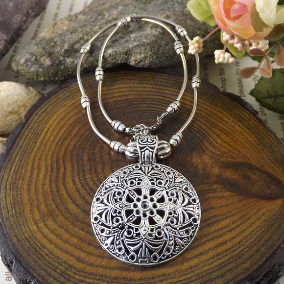 Hot Hollow Vintage Bohemia Necklace Charm Jewelry Tibet Brand Statement Women Necklaces Wholesale 2015 ZS-023