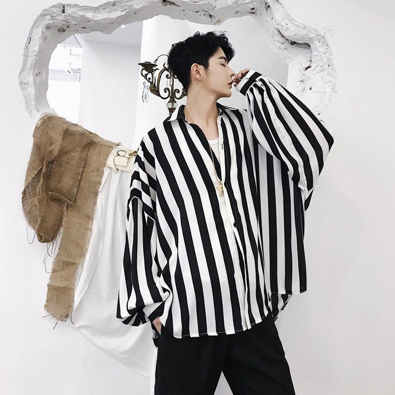 2018 automne hommes mode restauration anciennes façons noir et blanc rayure motif lâche décontracté mince chauve-souris à manches longues chemises taille M