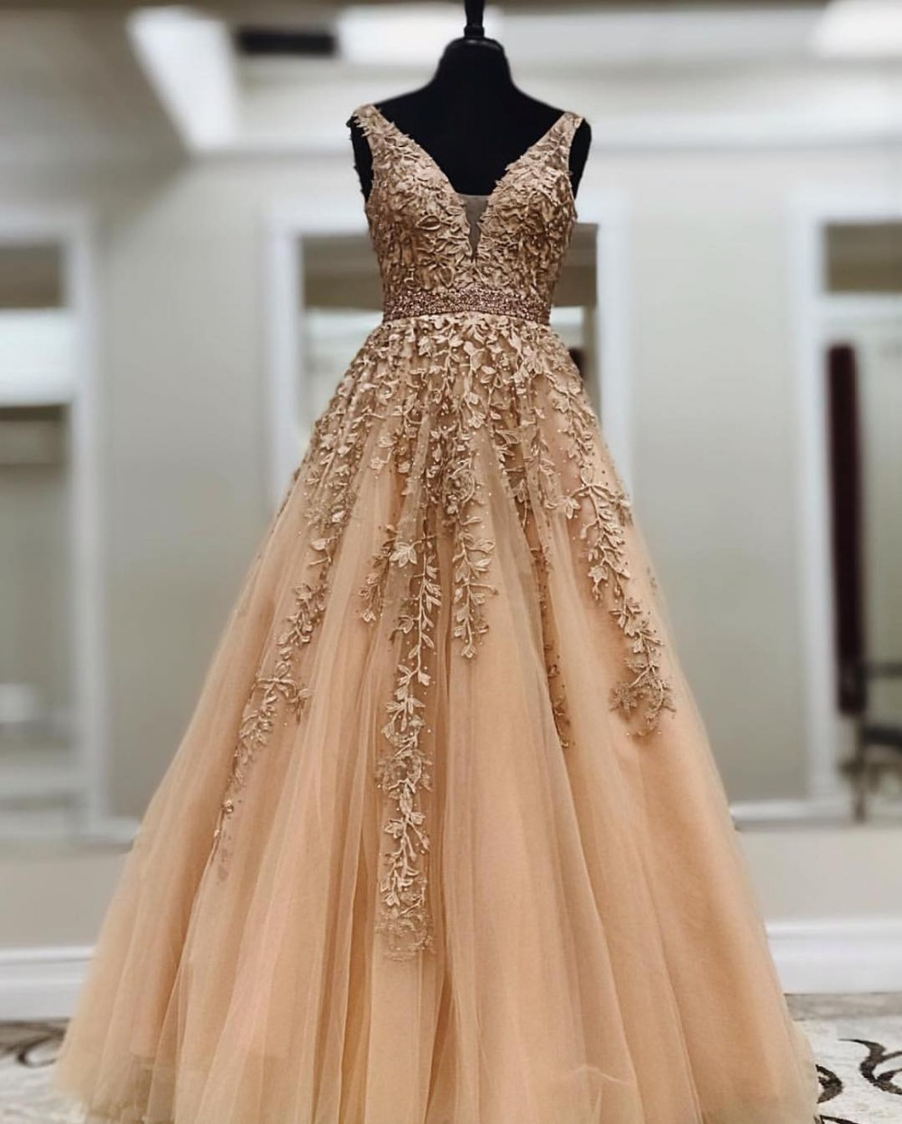 Champagne Lace Tulle A-line Long Floor Length   Prom     Dresses   V Neck Sleeveless Beaded Teens Girls Formal   Prom   Party Gowns