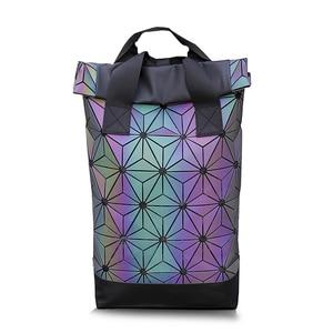 Image 3 - New Men กระเป๋าเป้สะพายหลังแล็ปท็อปผู้หญิง Luminous เรขาคณิตกระเป๋าเป้สะพายหลังสำหรับวัยรุ่นกระเป๋าเดินทาง Holographic กีฬากลางแจ้งกระเป๋าเป้สะพายหลัง Mochila