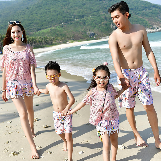 Family Matching Outfits Mommy and Me Swimsuit Daddy Girl Swimwear Mother Son Outfits Father Boys Short Pants Mom Daughter Skirts 1
