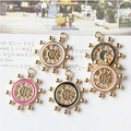50 unids/lote metal timón aleación de la forma de la gota de la aleación del aceite plateados oro del goteo del volante del timón encanta la joyería diy material de decoración
