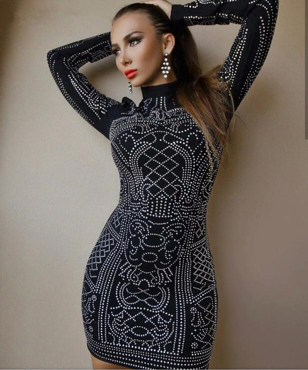 Hiver noir à manches longues clouté robe perlée célébrité robes de soirée Sexy Mini courte moulante robe tricotée 2019 nouvel an R-019