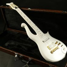 Instock  white prince electric guitar gold hardware  set in joint  korean headmachine guranteed quality free shipping купить недорого в Москве