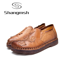 Shangmsh Sweet Women's Shoes 2017 Autumn Nationl Style Leaves Pattern Loafers Handmade Genuine Leather Female Shoe Large Size43