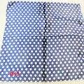 Marca de moda Feminina 50 cm azul escuro pontos cachecol bandanas lenço lenço Quadrado de Poliéster Lenço/Xaile Para Senhoras b013