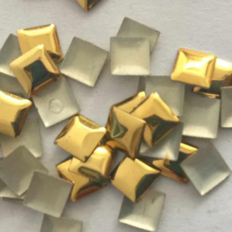 4x4mm tachuelas de oro de la pirámide de aluminio de la parte posterior plana del hierro en los diamantes de imitación de la transferencia de calor de la parte posterior plana para DIY Punk Rock picos