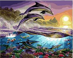 Cioioil T056 Paus Melompat Keluar Dari Laut Di Bawah Matahari