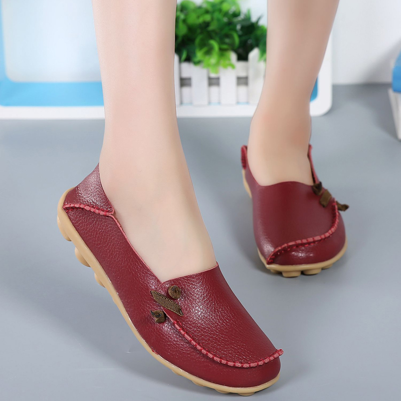 2018 Casual Women Flats New Fashion Wild Concise Flat Comfortable Female Loafers Shoes Round Toe Footwear Women Shoes BT712 2017 new leather women flats moccasins loafers wild driving women casual shoes leisure concise flat in 7 colors footwear 918w
