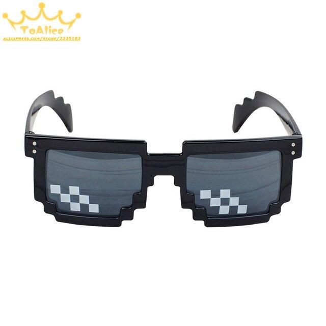 22b843365 Divertido juego de Anime OW LOL mujeres hombres gafas de sol mosaico  píxeles gafas de sol