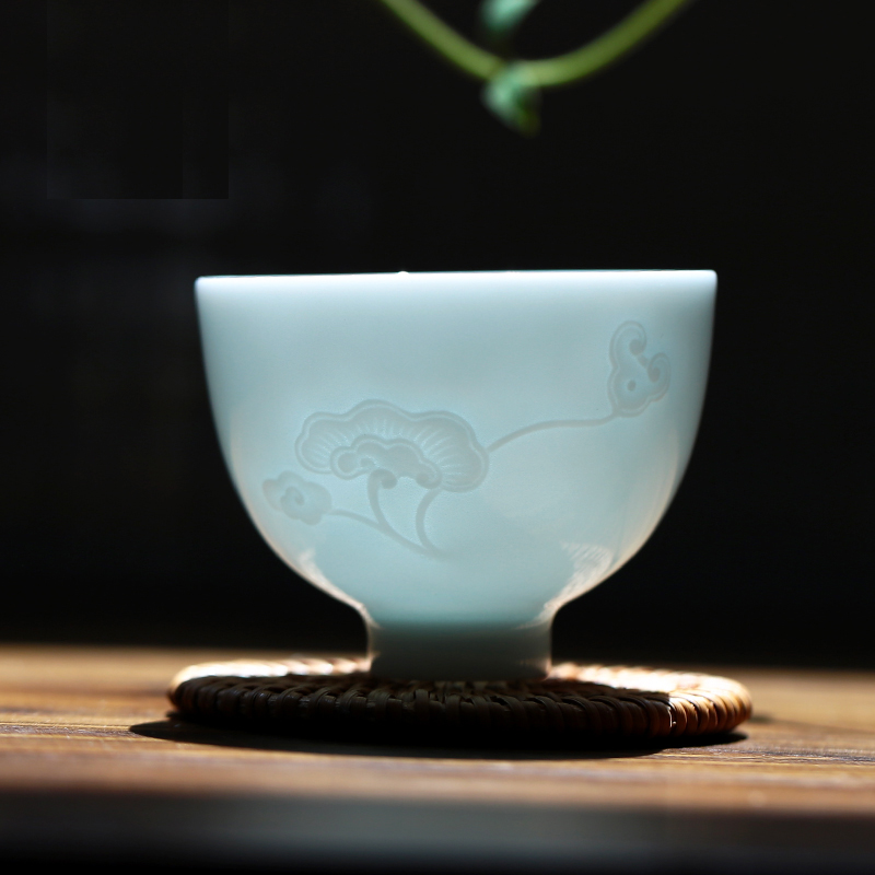 Ceramic Tea Cup Handmade teacup Kung Fu Tea Set Creative Pu-erh Jingdezhen transparent porcelain cup for christmas Gift Samovar
