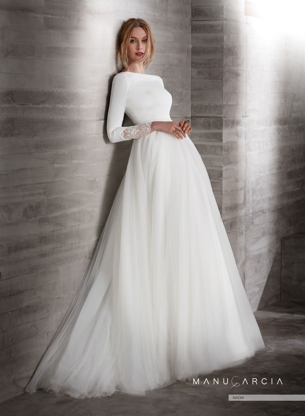 New Simple Crepe Tulle Modest Wedding Dresses With 3/4 Sleeves Boat Neck Covered Back Country Western Sleeved Bridal Gowns