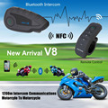 V8 Wireless Bluetooth Headset Casco de La Motocicleta Intercom ControI Remoto Manejar Interfono 1200 m 5 Jinetes con NFC Función MP3
