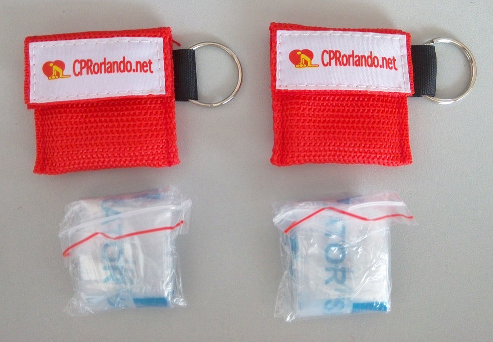 Wholesale200pcs/pack Fashion LOGO First Aid CPR Mask Emergency Resuscitator With Keychain One-way Valve Mouth Breath Face Shield 200 pcs pack cpr resuscitator keychain mask key ring emergency rescue face shield first aid cpr mask with one way valve