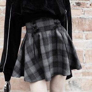 Image 1 - Nouveau gothique printemps automne gris Plaid jupes Shorts femmes plissée jupe courte Punk fille s jupe courte a ligne Mini jupe