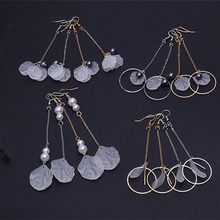 Korean Style Long chain Round Circle Earrings with Shell Imitation Pearl Decoration Droop Asymmetric Dangle Earrings E0334(China)