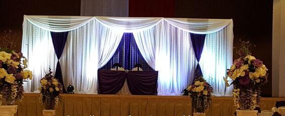 Toile de fond blanche de mariage de 10ft x 20ft avec les swags bleus royaux, décoration de mariage de rideau d'étape