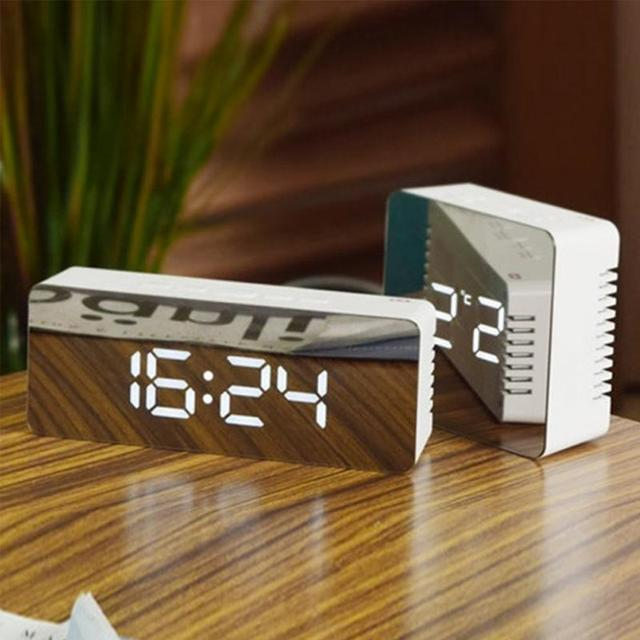 Digital Led USB Alarm Clock Portable Gift Adjustable Brightness Mirror Surface Rectangle and Square Shape Four Color to Choose