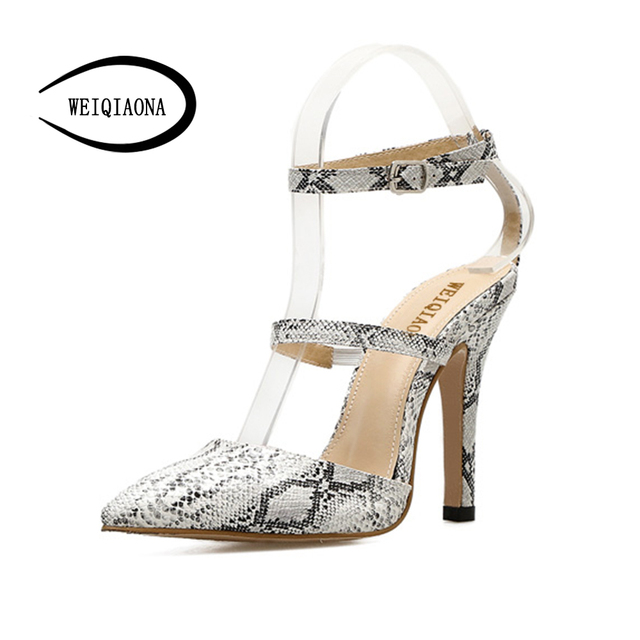 df9524e0412 WEIQIAONA mujeres bombas 2018 marca Sexy tacones altos boda fiesta Mujer  Zapatos finos patrón serpentina talla grande 34 39