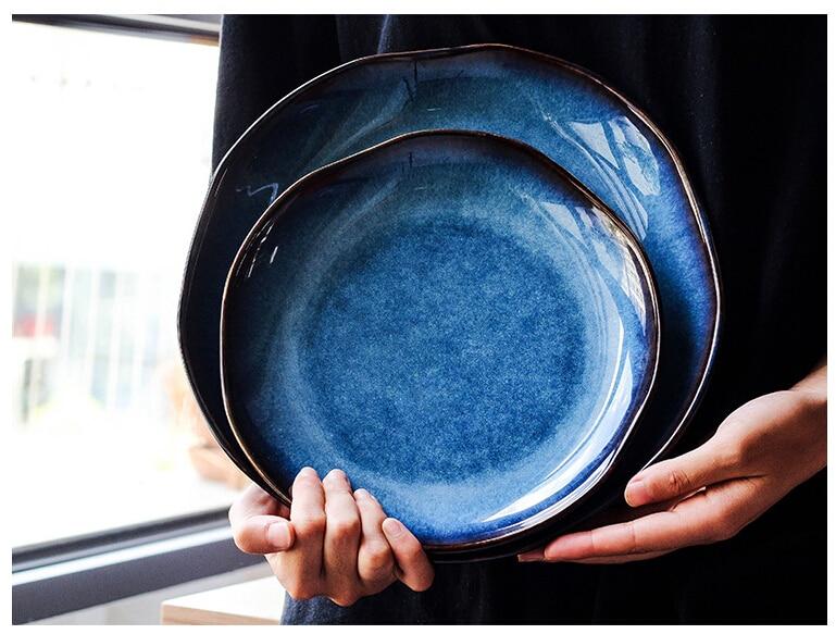 Retro japonês azul profundo prato de cerâmica