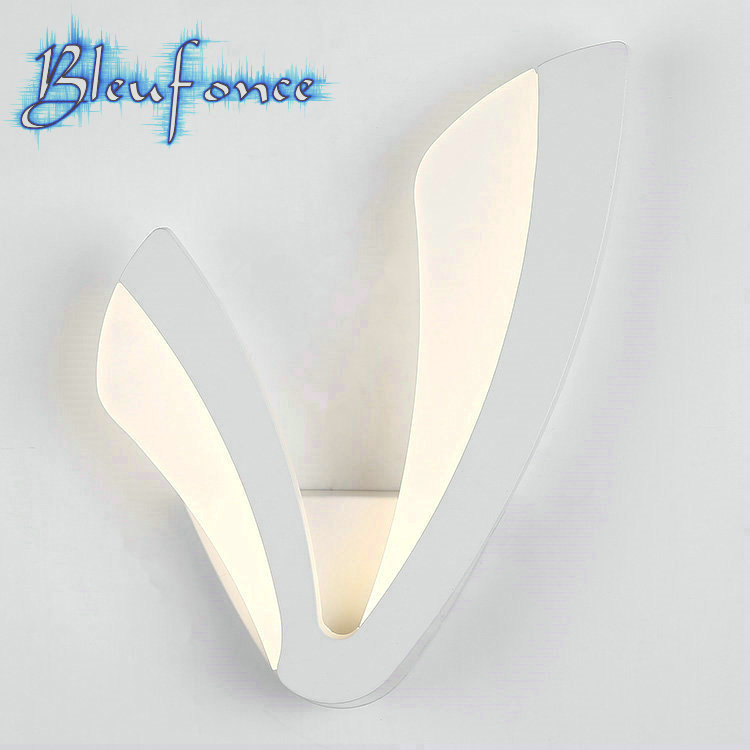 ФОТО V-shaped Acrylic Wall Lamp Creativity LED Bedside Light Living Room Wall Lamp Modern Minimalist Light Lighting Free Shipping