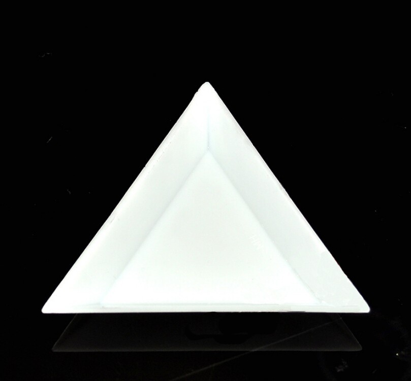 5pcs/lot 74*74mm White Triangle Plastic Carrying Case Plate/Trat Jewelry Tools for Carrying Beads and Small Items5pcs/lot 74*74mm White Triangle Plastic Carrying Case Plate/Trat Jewelry Tools for Carrying Beads and Small Items