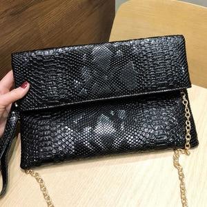 Image 2 - Xmessun Serpentine Clutch Bag Voor Lady Vrouwen Handtas Mode Envelop Tas Feestavond Clutch Tassen Zwart Portemonnee Dag Clutch f47
