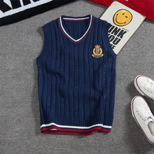 Sleeveless sweater vest men's V-neck knit sweater vest, fashion personality embroidery men's wild slim bottoming sweater vest