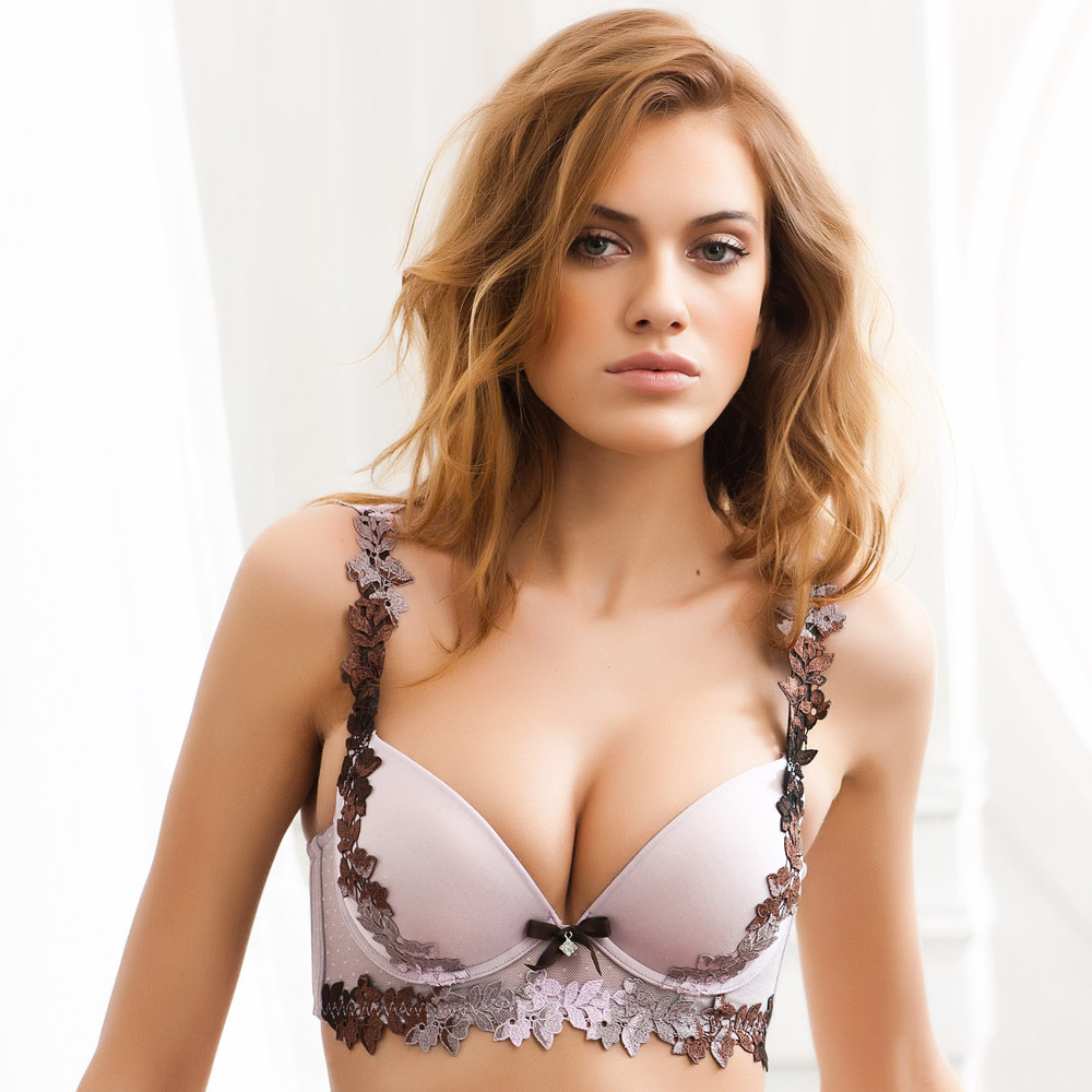 Pictures of sexy breasts